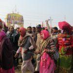 Pelgrims op weg naar de Ganges